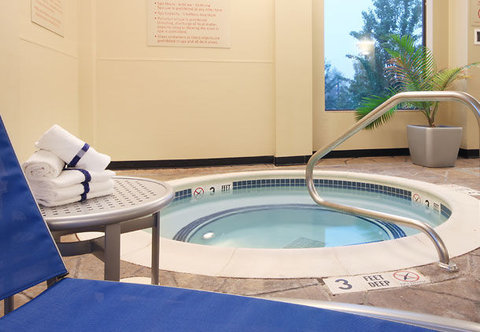 TownePlace Suites Albany Downtown Medical Center Hotel - Indoor Whirlpool