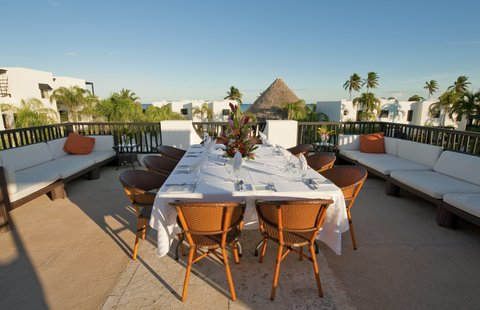 Las Terrazas Resort and Residences - Rooftop Dining at O