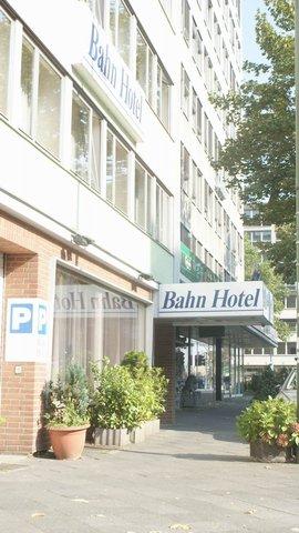 Bahn Hotel - Exterior