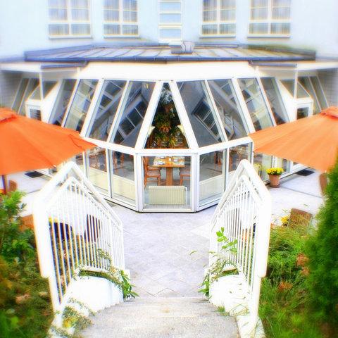 SensCity Hotel Berlin Spandau - Terrasse Hotel Berlin