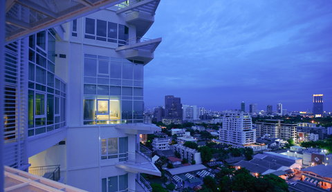 Anantara Baan Rajprasong Serviced Suites - Skyline At Dusk