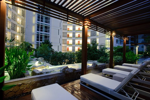 Anantara Baan Rajprasong Serviced Suites - Outdoor Deck