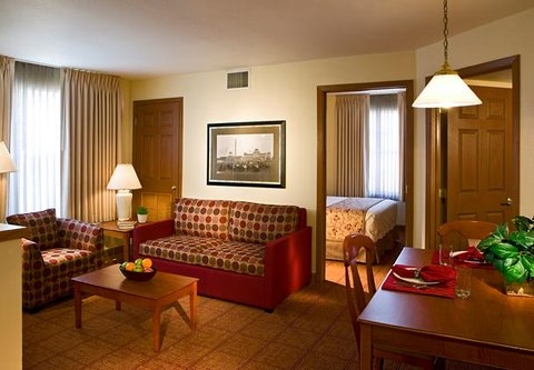 TownePlace Suites Detroit Dearborn - Two-Bedroom Suite