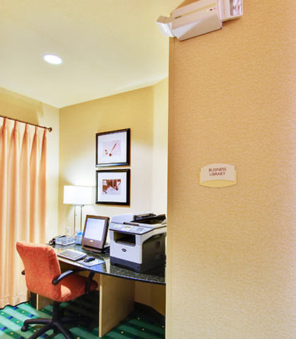 SpringHill Suites Fresno - Business Center