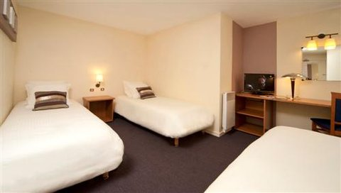 Kyriad Saint Etienne Centre - Quadruple Room
