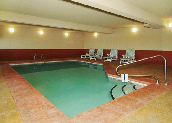 Comfort Suites Billede af pool