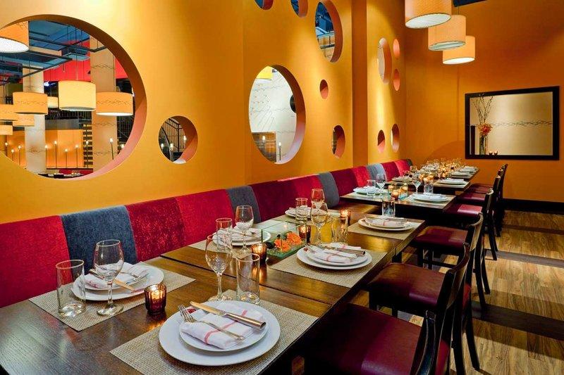 Hilton New York Fashion District Gastronomie