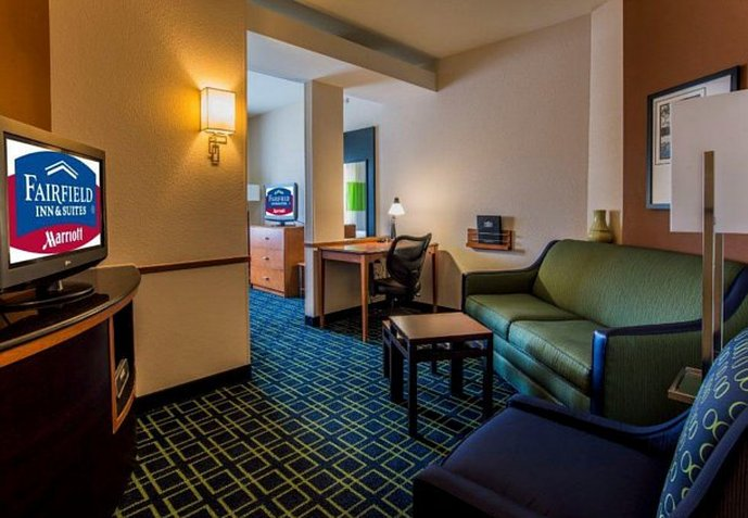 Fairfield Inn & Suites Venice View of room