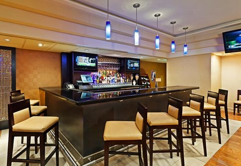 Chattanooga Marriott Downtown - Kicks  Lounge