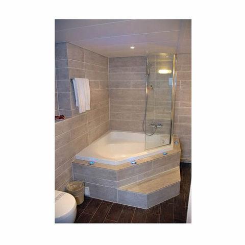 Adagio Geneve Mont Blanc - Bathroom