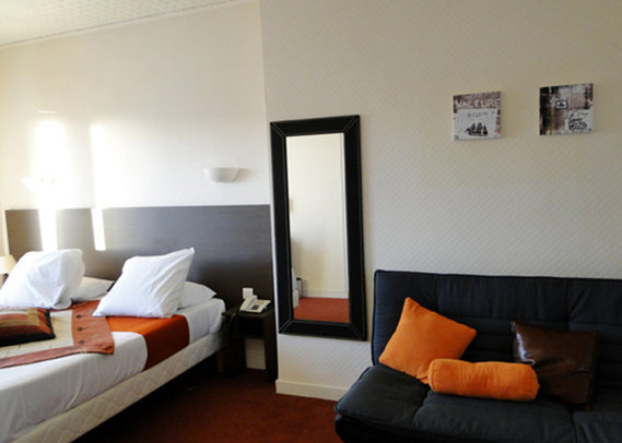COMFORT Hotel de l'Europe - Saint Nazaire Zimmeransicht