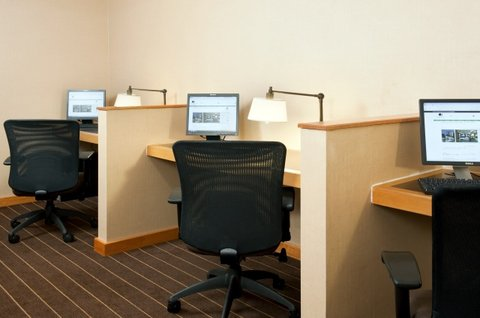 DoubleTree by Hilton Chicago - Arlington Heights - 24 Hour Business Center with Free Printing