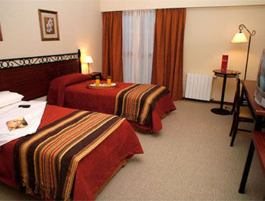 Howard Johnson Hotel Cerro Calafate - Two Bed Room