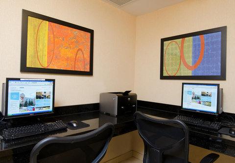Fairfield Inn Bloomington - Business Center