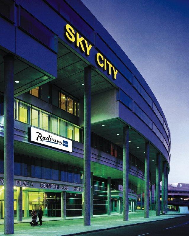 Radisson Blu SkyCity Hotel Exterior view
