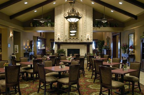 Homewood Suites by Hilton Amarillo - Lodge Area