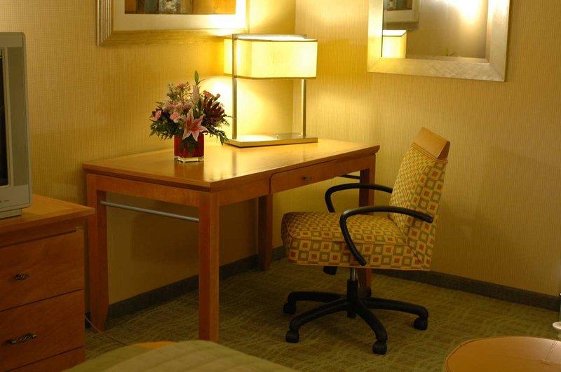 Doubletree Hotel Columbus/Worthington Odanın görünümü
