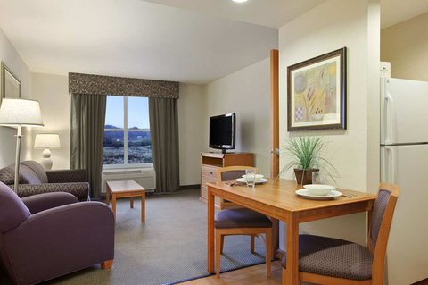 Homewood Suites by Hilton CincinnatiMilford - One Bedroom King Suite