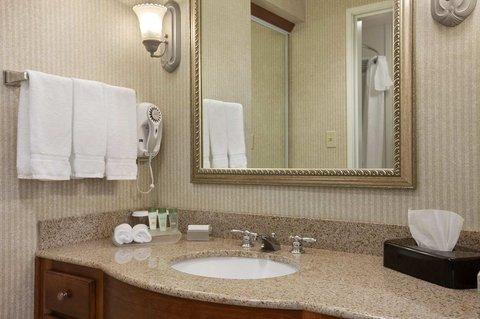 Homewood Suites by Hilton CincinnatiMilford - Bathroom Vanity