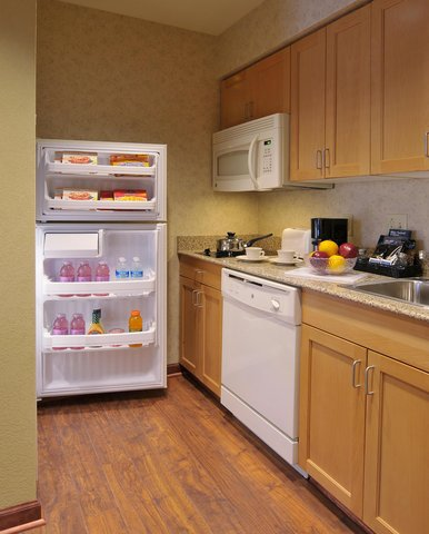 Homewood Suites by Hilton Greenville - Suite Kitchen