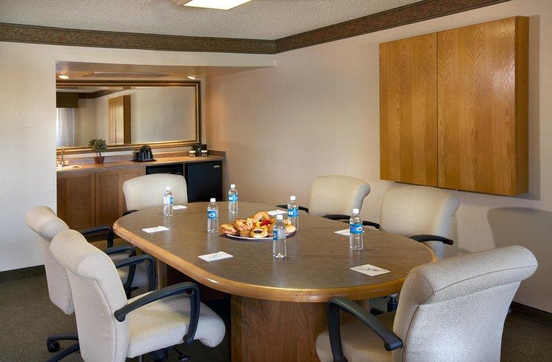 Embassy Suites Phoenix - North 套间