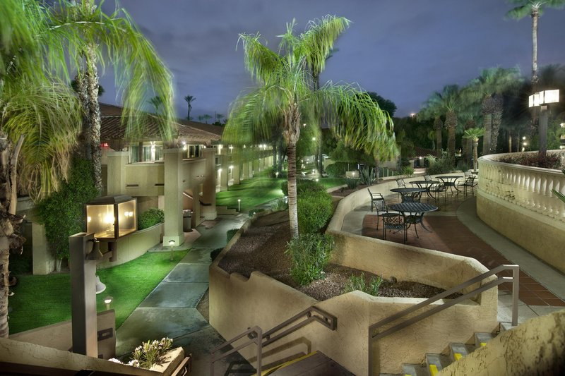 Embassy Suites Phoenix - North 外景