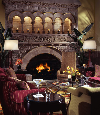 Union Station Hotel, Autograph Collection - Grand Lobby Fireplace