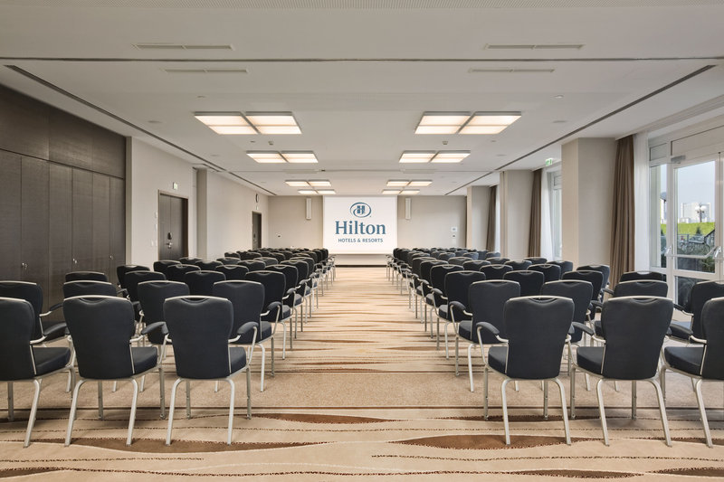 Hilton Vienna Danube Waterfront Salle de conférence