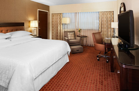 SHERATON DETROIT-METRO AIRPORT - Oversized King Room