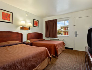 Travelodge - Nashville TN - Standard Two Double Bed Room