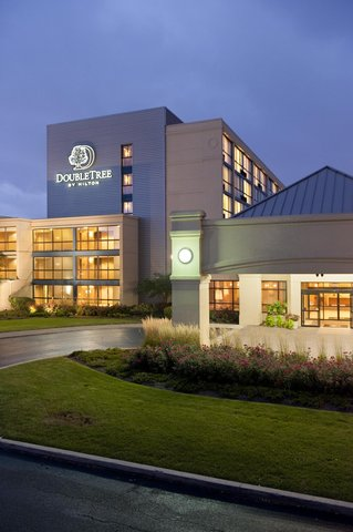 DoubleTree by Hilton Chicago - Arlington Heights - Welcome to the Doubletree Hotel Chicago - Arlington Heights