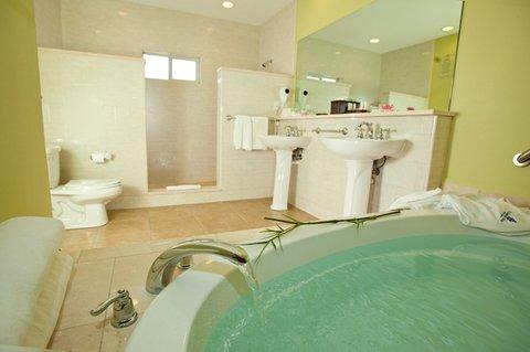 St. James Club All Inclusive Hotel - Royal Suite Bathroom