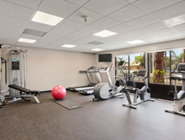 Wingate by Wyndham Los Angeles-Intl Airport Centro de wellness