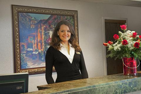 BEST WESTERN Grand Venice Hotel Wedding & Conference Center - Front Desk