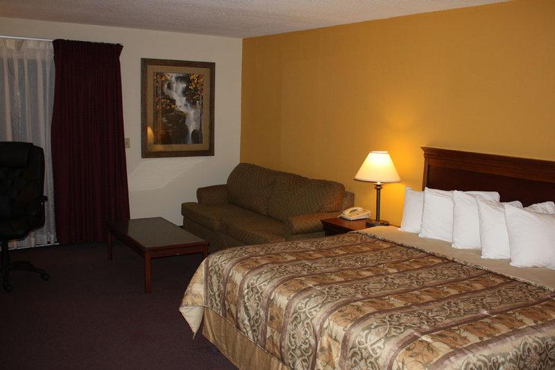 Best Western Saratoga Inn - Cannon Falls, MN