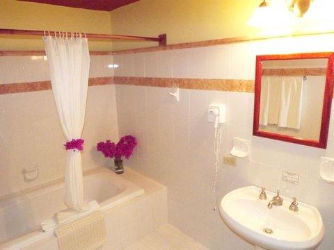 BEST WESTERN Hotel Chichen Itza - Guest Bathroom