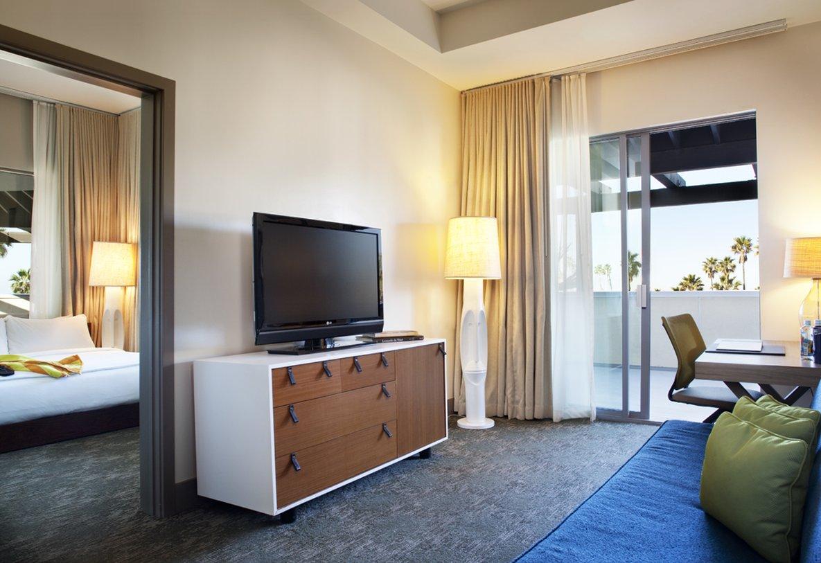 Kimpton Shorebreak Hotel