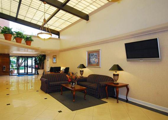 Comfort Inn Springfield Lobby