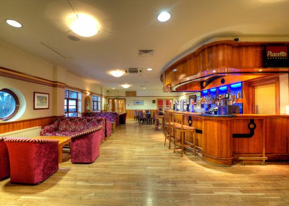 Clarion Hotel Carrickfergus 酒吧/休息厅
