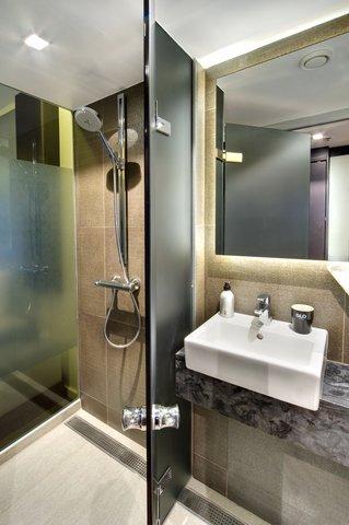 GLO Art Helsinki - Bathroom