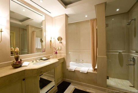 فندق ميلينيوم الدوحة - Presidential Suite Bathroom