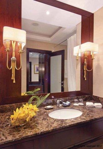 فندق ميلينيوم الدوحة - Bathroom