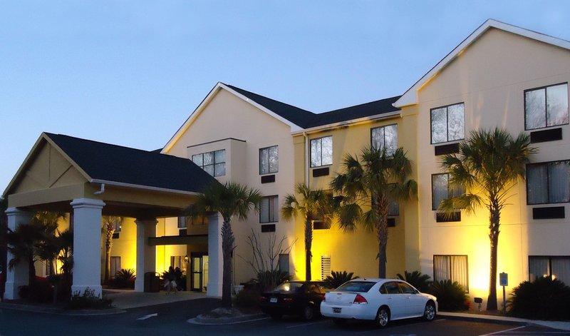 BEST WESTERN PLUS Magnolia Inn And Suites - Ladson, SC
