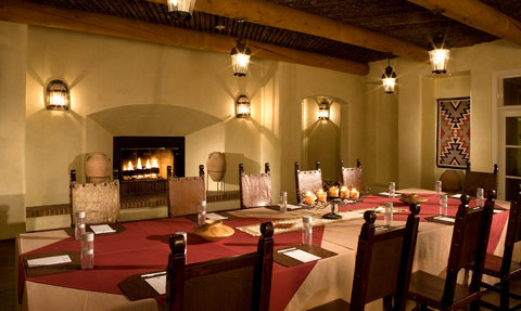 Hotel Albuquerque at Old Town - Fireplace Meeting Room