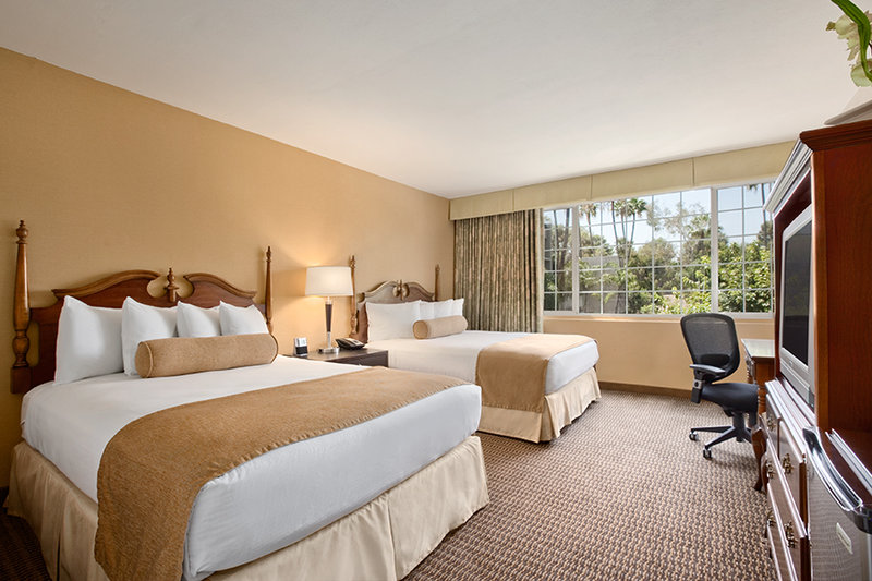 BEST WESTERN PLUS Carriage Inn - Van Nuys, CA