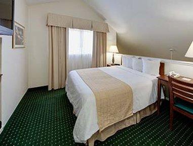 Hawthorn Suites By Wyndham Dearborn/Detroit MI - 1 Queen Bed Suite