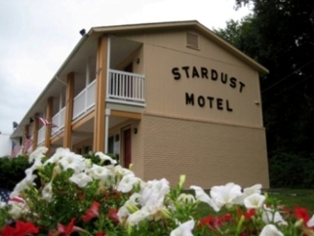 Stardust Motel - North Stonington, CT