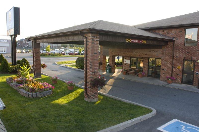 Comfort Inn Fredericton Vista esterna