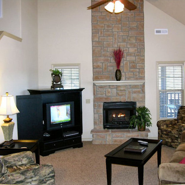Stonebridge Resort - Reeds Spring, MO