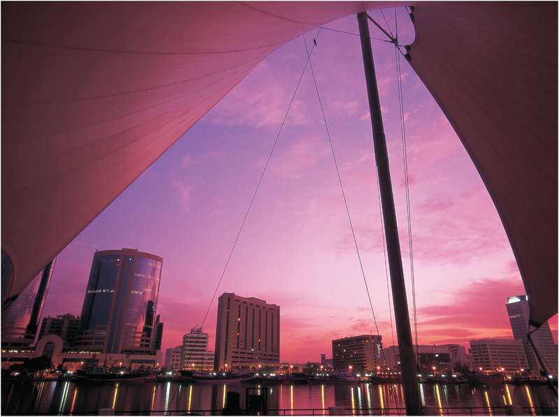 Radisson Blu Hotel, Dubai Deira Creek Вид снаружи